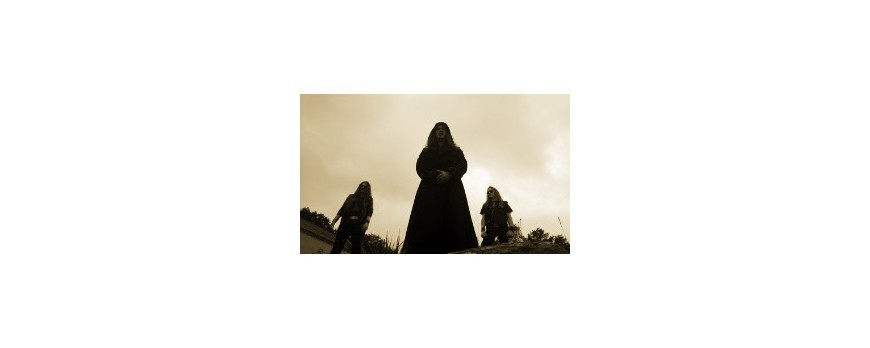 AU CHAMP DES MORTS - Debut album details revealed