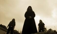 AU CHAMP DES MORTS - Debut album details revealed